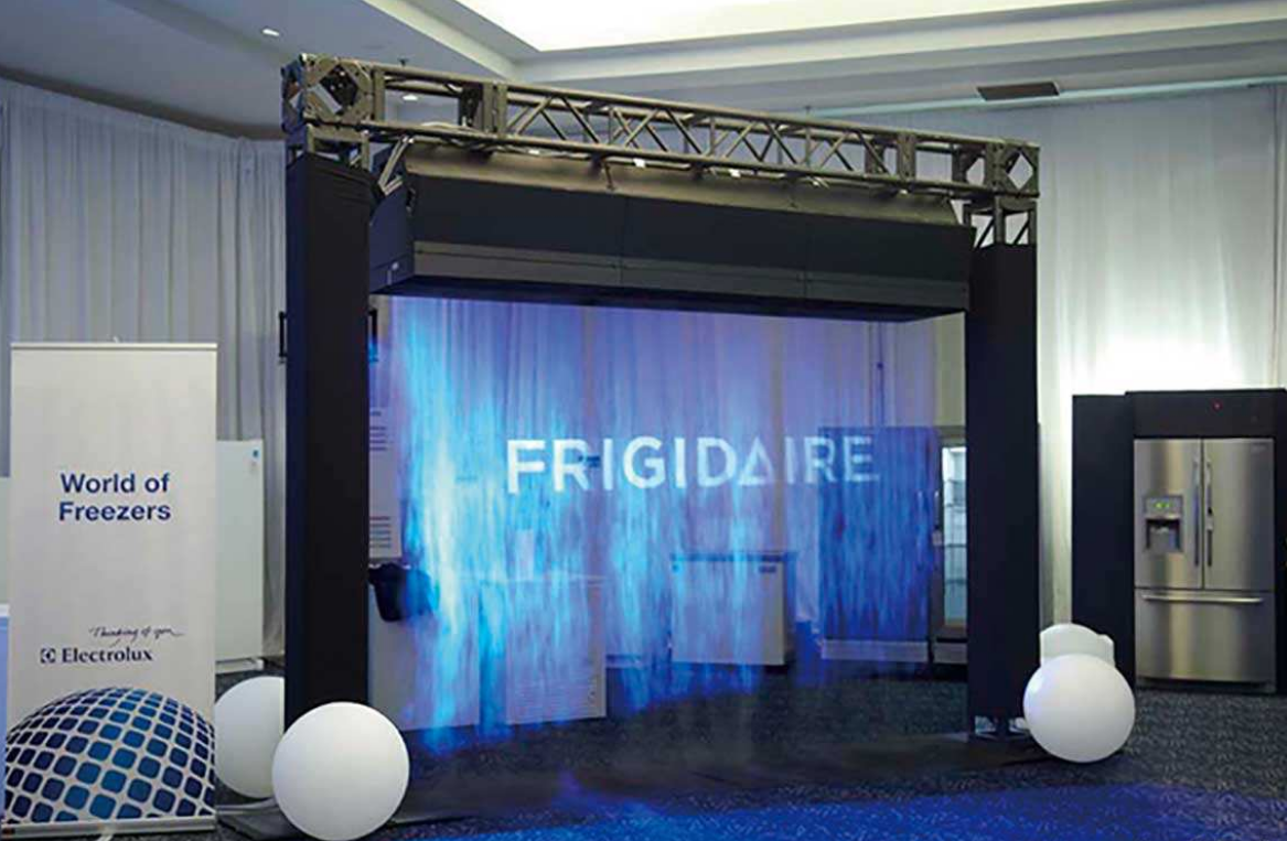MOMO-LED:The application fields of fog screen projection include tourist attractions, science and technology museums, museums, exhibition halls, airports, stations, shopping malls, etc.